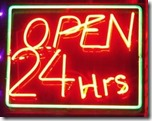 insegna OPEN 24 Hrs