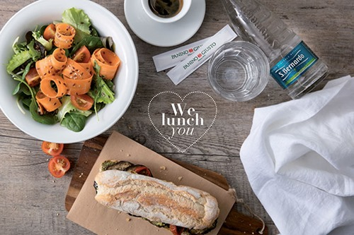 We lunch you: offerta composta da panino, insalata, acqua, caffè